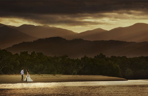 30 Beautiful Photojournalism Wedding Photography Examples
