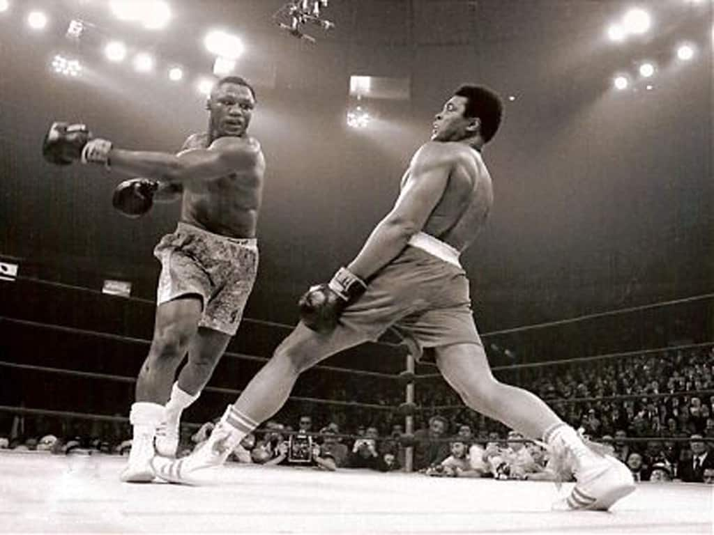 Joe Frazier boxing Muhammad Ali