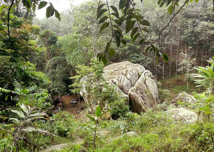 Menjejak Wave Rock di Bukit Baginda, Batu Kikir