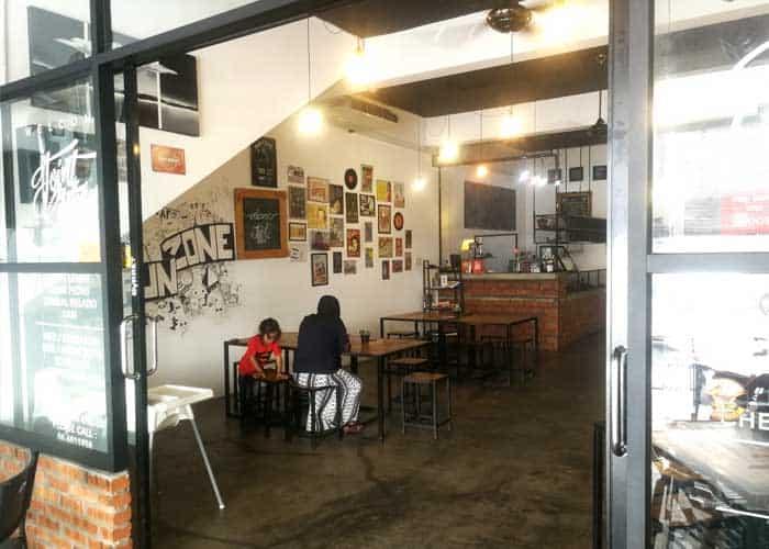 restoran hipster joint kitchen seremban 2 environment 1 min - Sedapnya Krusty Burger di Joint Kitchen, Seremban 2 - 3