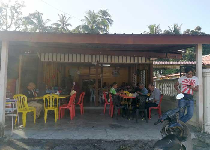 Menikmati Nasi Lemak Ikan Keli & Kodok Gelumang di Warung Nayan, Lenggeng
