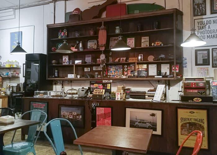 coastal store cafe kuantan bar counter min - Gabungan Muzik, Buku & Kopi di Coastal Store, Kuantan - 6