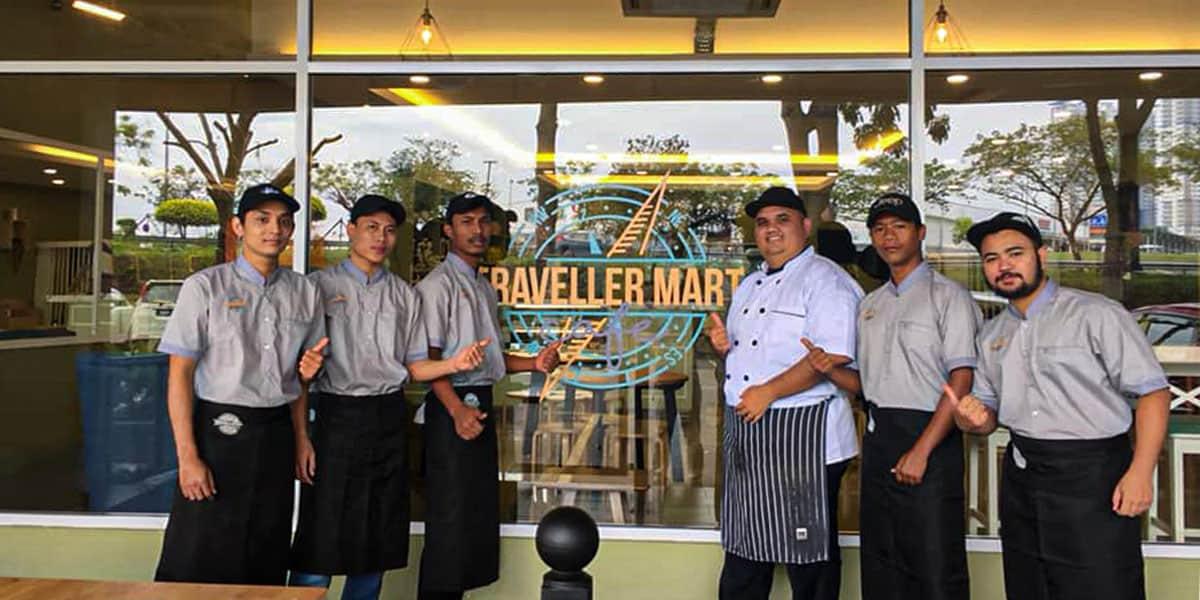 travellers cafe crew bandar seri putra min - 6 Tempat Makan Best & Sedap di Bandar Seri Putra - 3
