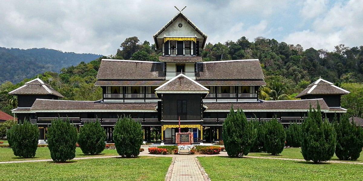 Tempat Menarik di Kuala Pilah - Muzium Di Raja Seri Menanti