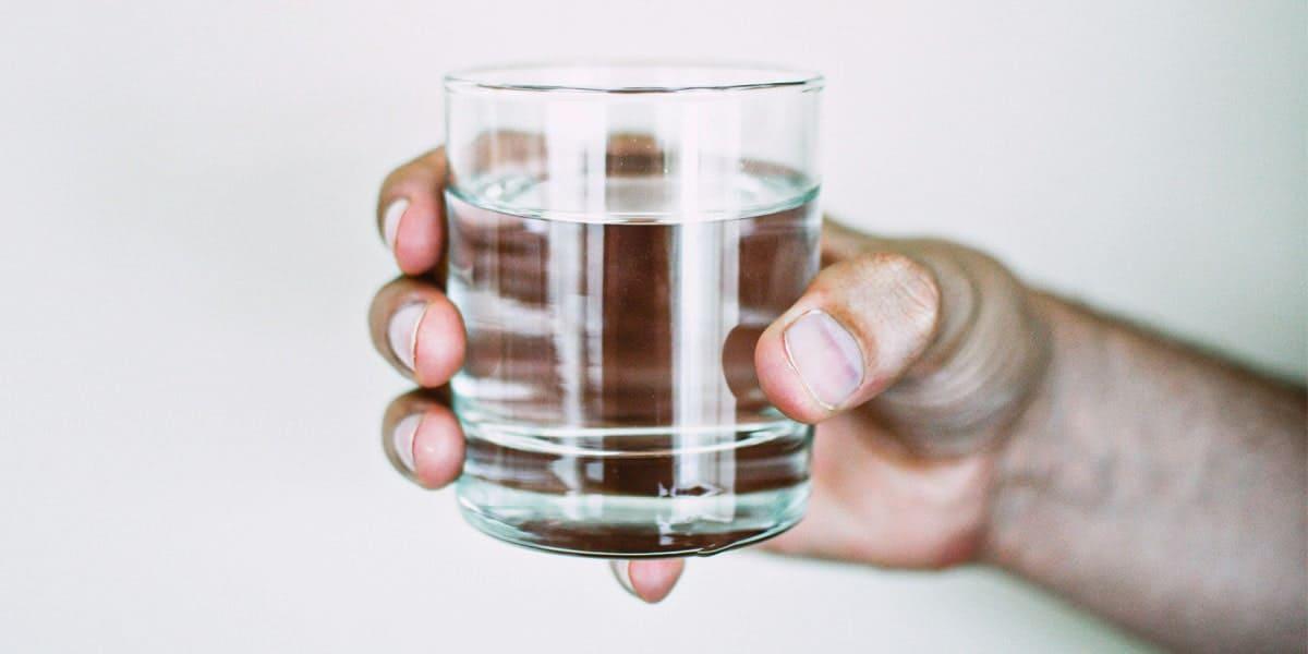 Cara Kempiskan Perut - Minum Air