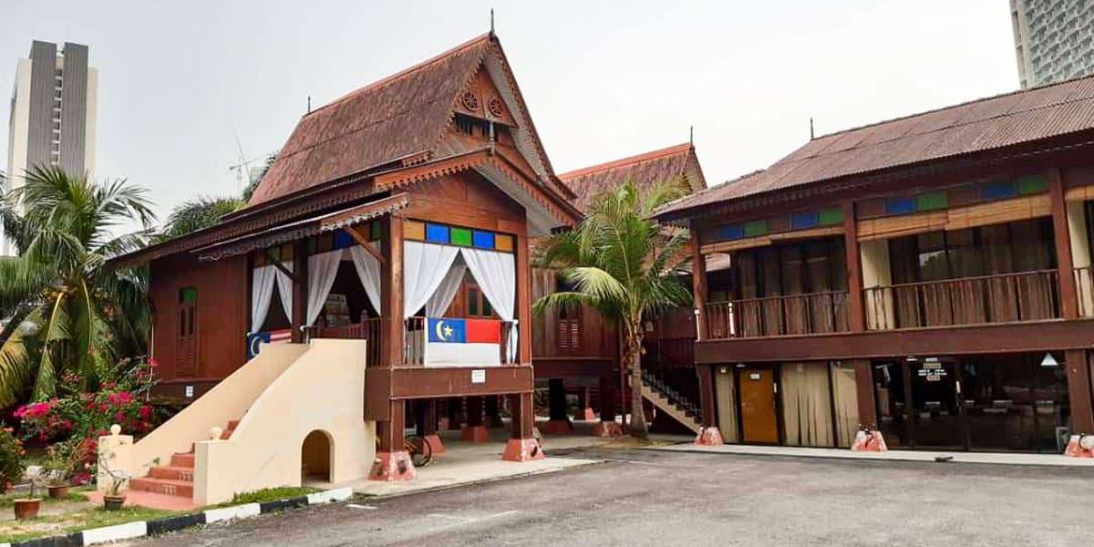 Senarai Homestay Kampung Morten - Traders Villa (Villa Warisan Melaka)